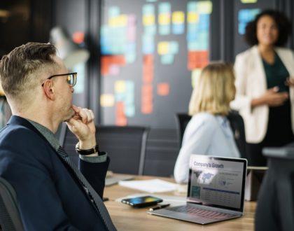 10 Fragen die Sie stellen sollten bevor Sie sich für eine Agentur entscheiden